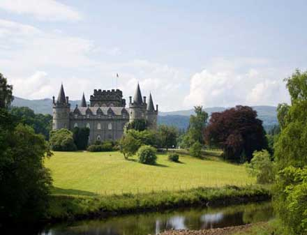 Inveraray_Castle_blg.jpg